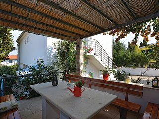 Amazing home in Stari Grad w/ WiFi and 1 Bedrooms