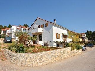Nice home in Vrboska w/ WiFi and 1 Bedrooms