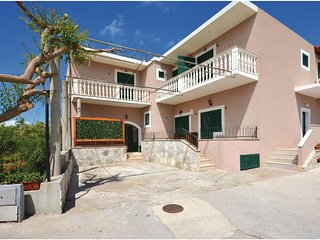 Amazing home in Sucuraj w/ WiFi and 1 Bedrooms