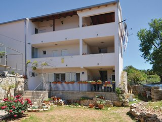 Awesome home in Sucuraj w/ WiFi and 2 Bedrooms