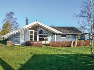 Beautiful home in Broager w/ Sauna, WiFi and 3 Bedrooms