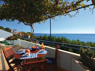 Stunning home in Jelsa w/ WiFi and 2 Bedrooms (CDH457)