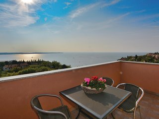 Amazing home in Portoroz w/ WiFi and 2 Bedrooms