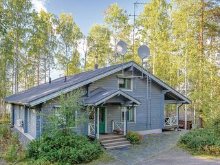 Amazing home in Pertunmaa w/ Sauna, WiFi and 3 Bedrooms