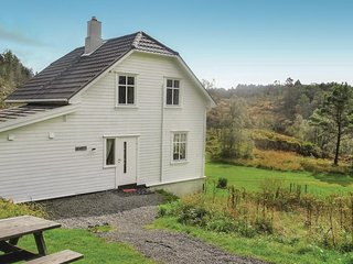 Awesome home in Flekkefjord w/ 5 Bedrooms