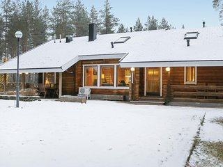 Awesome home in Vierumäki w/ Sauna, WiFi and 5 Bedrooms