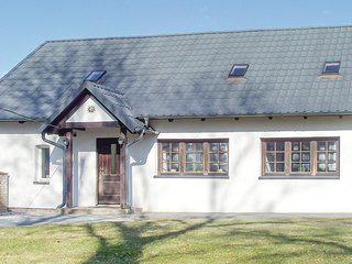 Stunning home in Przywidz w/ WiFi and 3 Bedrooms