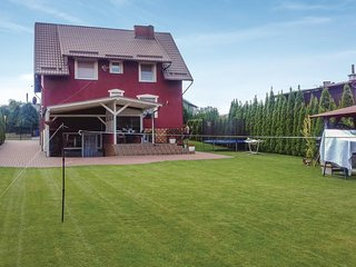 Beautiful home in Wielki Klincz w/ WiFi and 3 Bedrooms