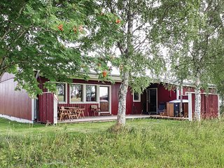 Stunning home in Trangsviken w/ Sauna, WiFi and 2 Bedrooms
