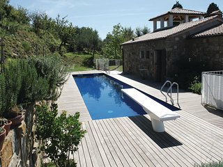 Beautiful home in Marezige w/ WiFi and 5 Bedrooms