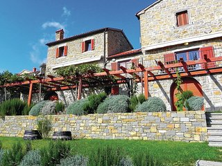 Beautiful home in Secovlje w/ WiFi and 3 Bedrooms