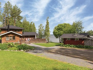 Awesome home in Tuusmäki w/ Sauna, WiFi and 4 Bedrooms