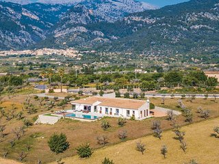 Amazing home in Moscari w/ WiFi and 4 Bedrooms