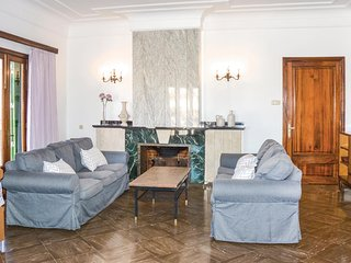 Amazing home in Manacor w/ WiFi and 4 Bedrooms