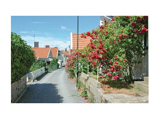 Beautiful home in Lysekil w/ 1 Bedrooms (S08511)