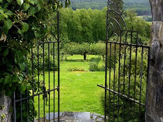 The Walled Garden, sleeps up to 8 and dog friendly