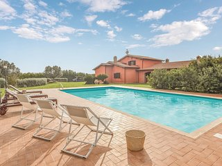 Nice home in Canino w/ WiFi, 7 Bedrooms and Outdoor swimming pool