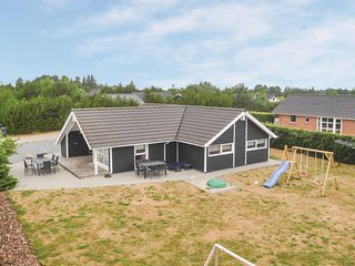 Amazing home in Ansager w/ Sauna, WiFi and 4 Bedrooms