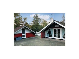 Nice home in Ansager w/ WiFi and 3 Bedrooms
