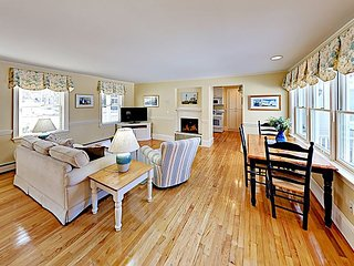 Charming Apartment w/ Bay Views -- Near Classic East Boothbay Attractions