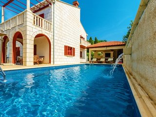 Stone villa with pool for rent Zaton Dubrovnik area