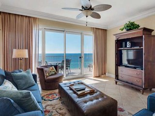 Beautiful End Unit On The 10th Floor With Wrap Around Balcony. Free Wifi And Fam