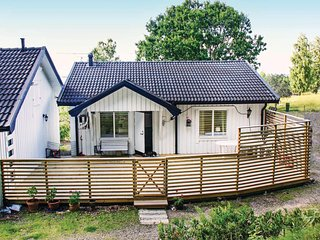 Awesome home in Motala w/ WiFi and 3 Bedrooms