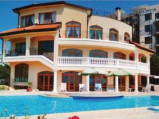 Exclusive villa in Kabakum Beach (golden Sands)