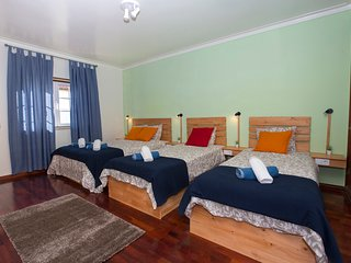 15 minutes by walking distance to supertubos beach Peniche