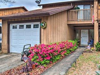 NEW-Cozy Home w/Patio, BBQ-13mi to Pensacola Beach