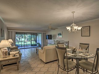 NEW! Fort Myers Condo w/ Screened-in Patio & Pool!