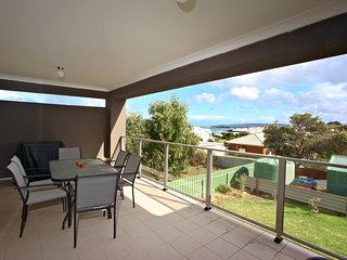 'Victor Harbor Beachside Getaway' - Apartment no 1