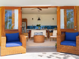 Kotch Two Bedroom Beachfront Suite