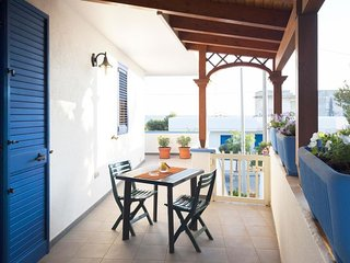 2 bedroom Villa with Air Con, WiFi and Walk to Beach & Shops - 5777801