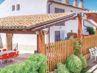Awesome home in Avila w/ WiFi and 5 Bedrooms