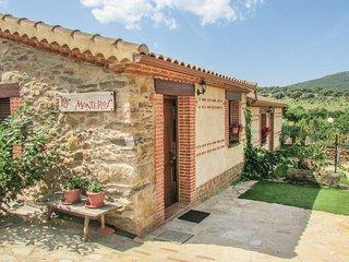 Nice home in Aldeanue. de la Sierra w/ 1 Bedrooms
