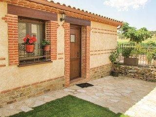 Stunning home in Aldeanue. de la Sierra w/ 1 Bedrooms