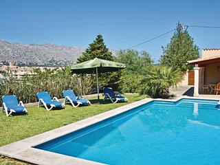 Beautiful home in Pollensa w/ 5 Bedrooms