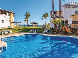 Nice apartment in Marbella w/ WiFi, Outdoor swimming pool and 3 Bedrooms