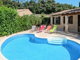Ferienhaus mit Pool (LMO105)