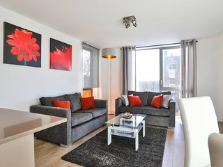 Stunning 2bed2bath apt 4min to underground