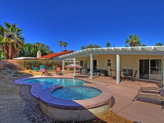 CAN351 - Palm Desert El Paseo - 2 BDRM Plus DEN, 2 BA
