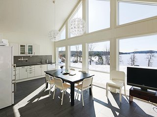 Amazing home in Lillesand w/ 3 Bedrooms