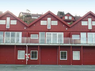 Nice home in Lindesnes w/ 3 Bedrooms