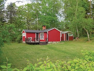 Stunning home in Skånes Fagerhult w/ 1 Bedrooms