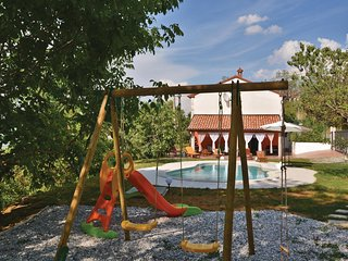 Stunning home in Babici w/ Sauna, WiFi and 3 Bedrooms