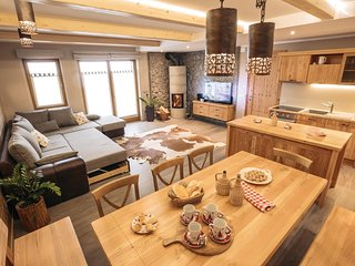 Amazing home in Cerkije na Gorenjskem w/ WiFi and 2 Bedrooms