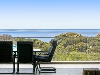 Bayview - Commanding Bay Views