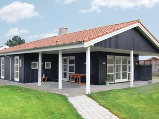 Nice home in Rødby w/ WiFi and 3 Bedrooms (K10291)