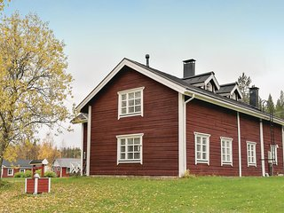 Awesome home in Sirkka w/ Sauna, WiFi and 8 Bedrooms